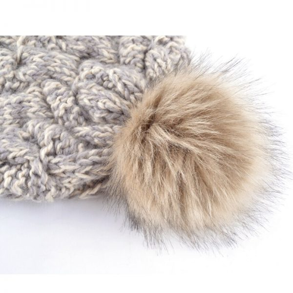 Fashion 2017 winter hats for women beanie knitted casual caps skullies bone girls solid color hairball hat ladys gorro touca